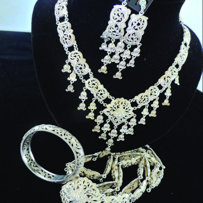 How-to-buy-silver-jewelrypiccc